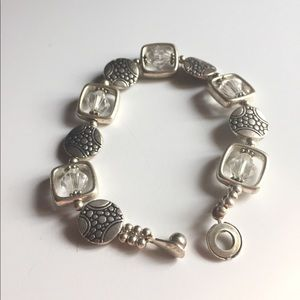 Jewelry - Silver bracelet with unique easy attach clasp